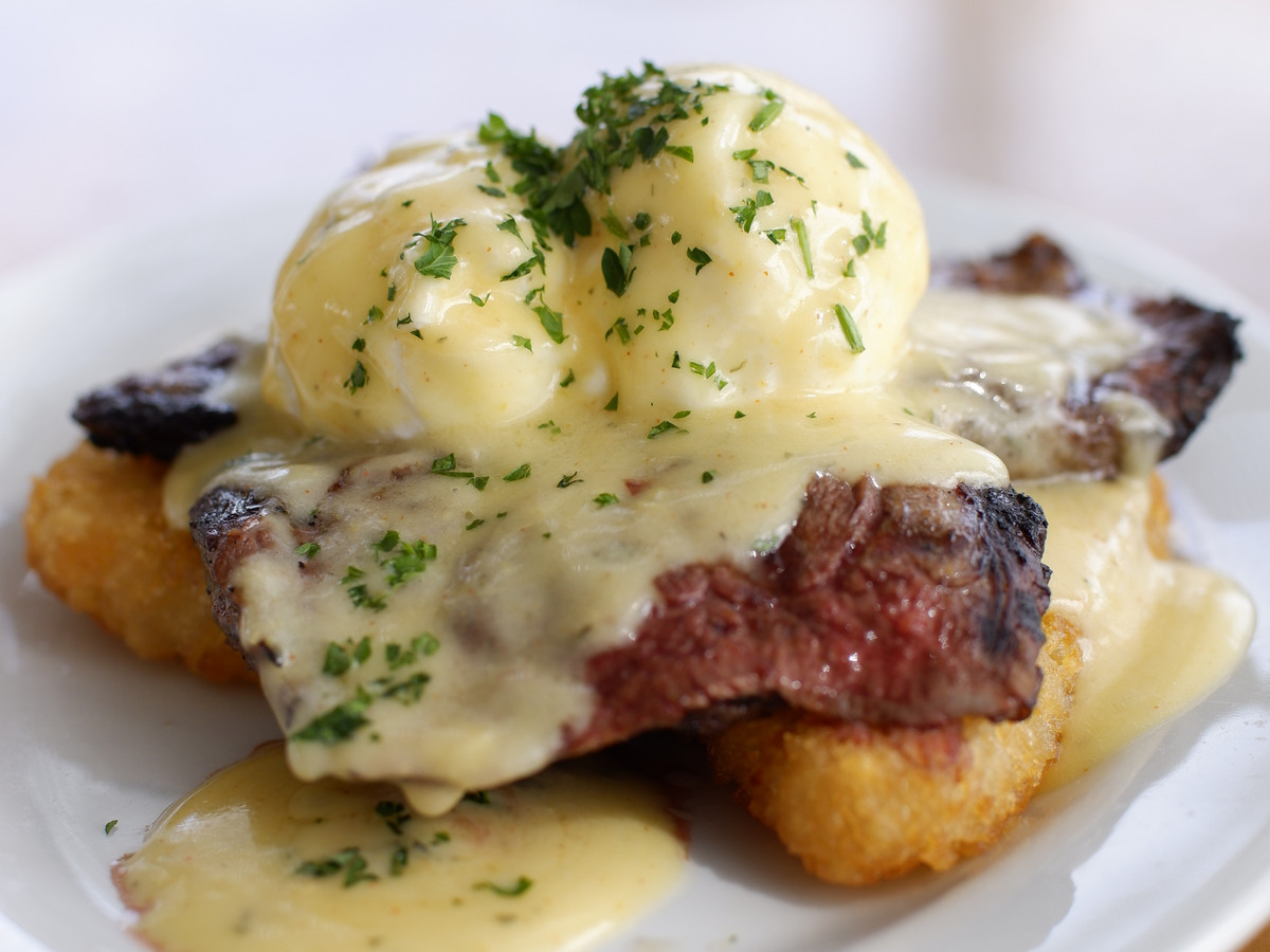 Eggs Benedict at Downtown Terrace