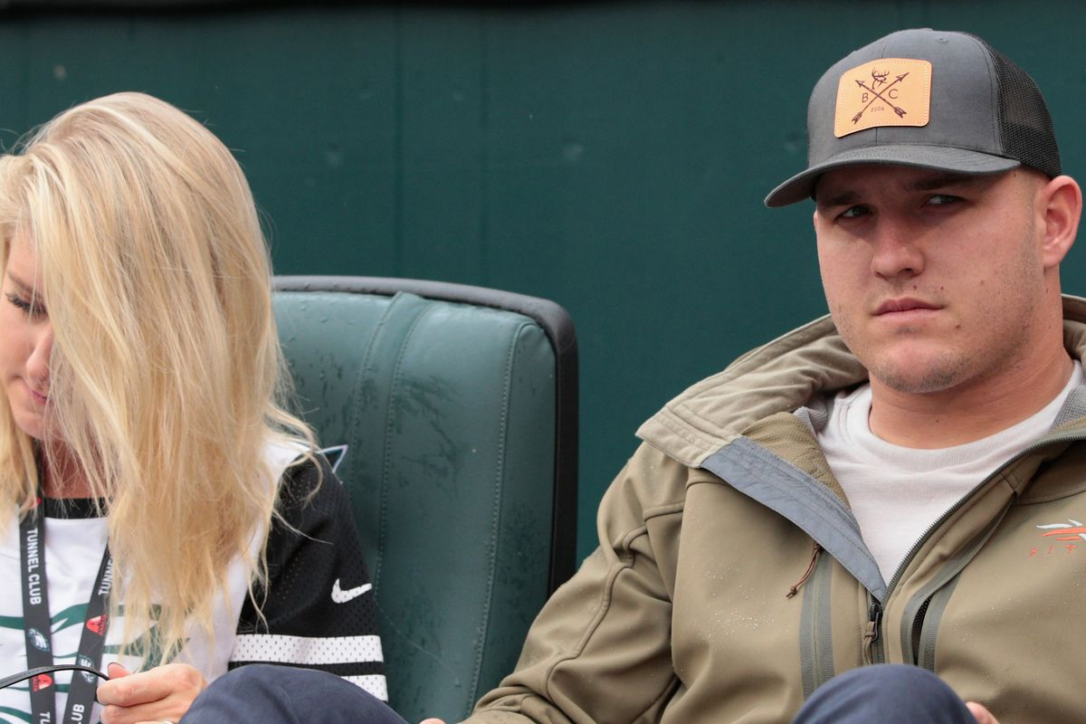 One Tweet From Mike Trout S Wife Single Handedly Saved The Lives Of
