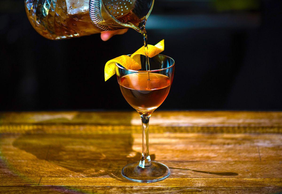 A bartender making a cocktail at Roosevelt Room