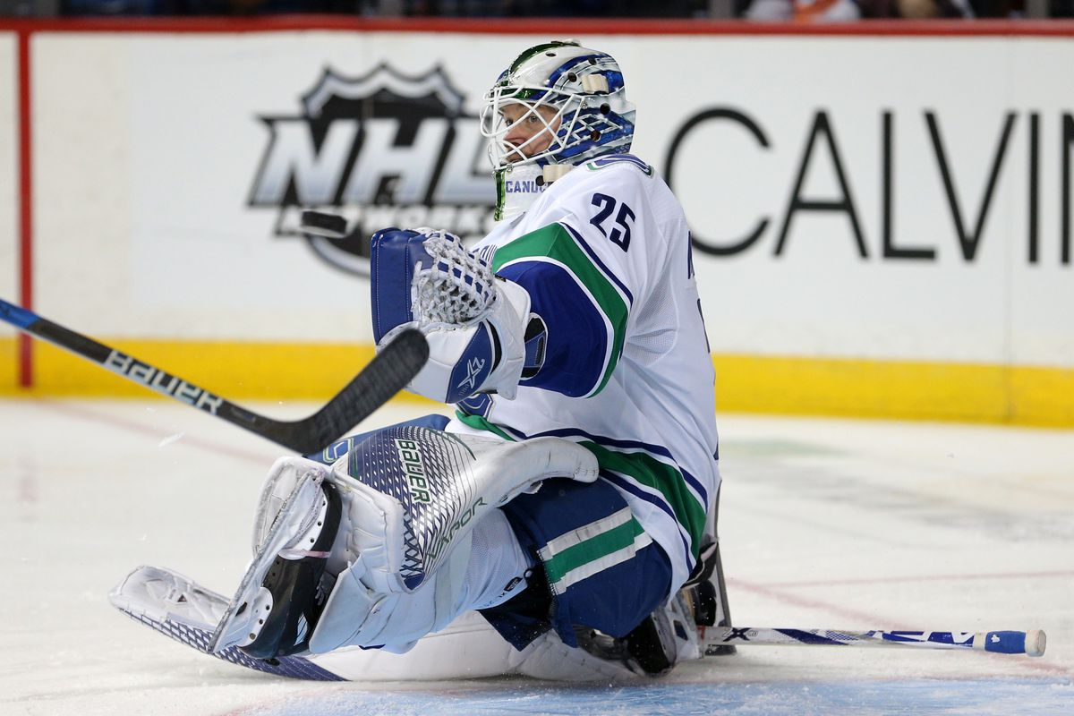 NHL: Vancouver Canucks at New York Islanders