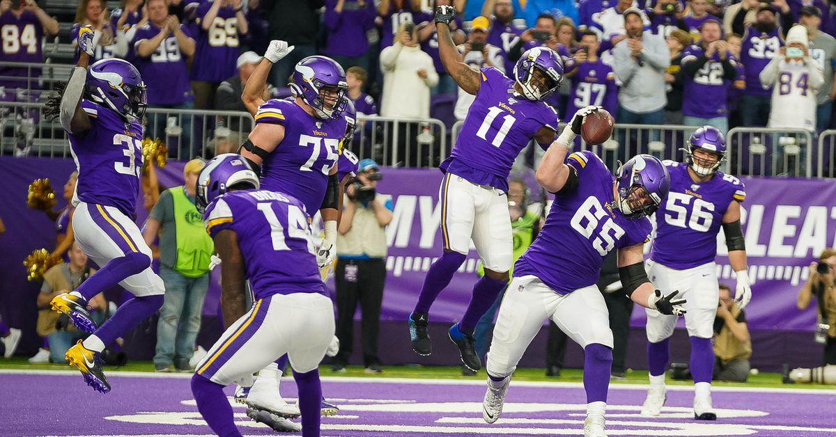Vikings Beat Listless Lions