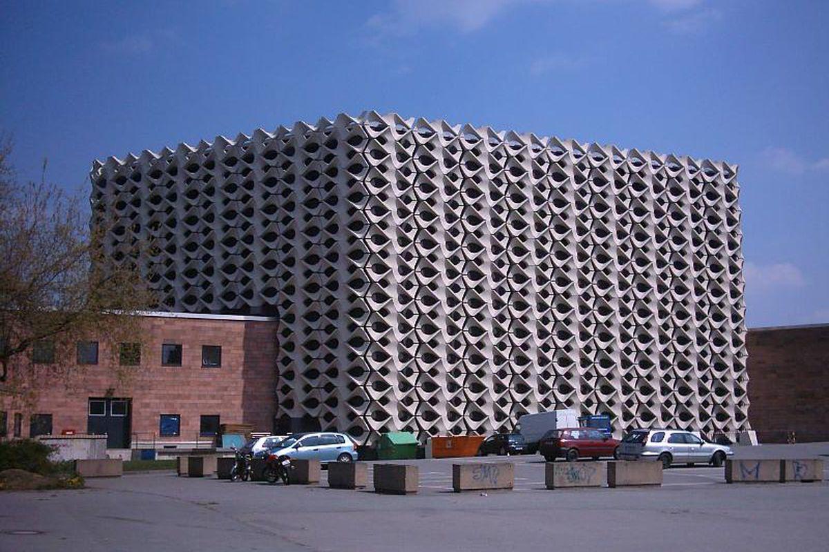 Chemnitz Stathalle Wikimedia Commons