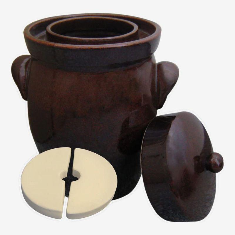 A fermenting crock pot