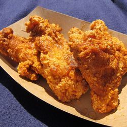 """Fried chicken wings from Blue Ribbon (at The Great GoogaMooga) by <a href=""""http://www.flickr.com/photos/foodforfel/7404840288/in/pool-eater/"""">foodforfel</a>"""