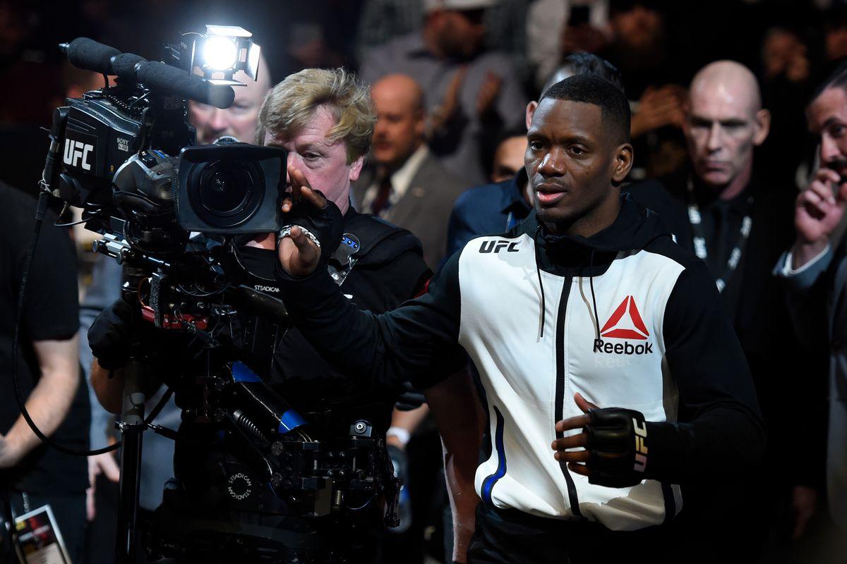 UFC 210: Will Brooks v Charles Oliveira