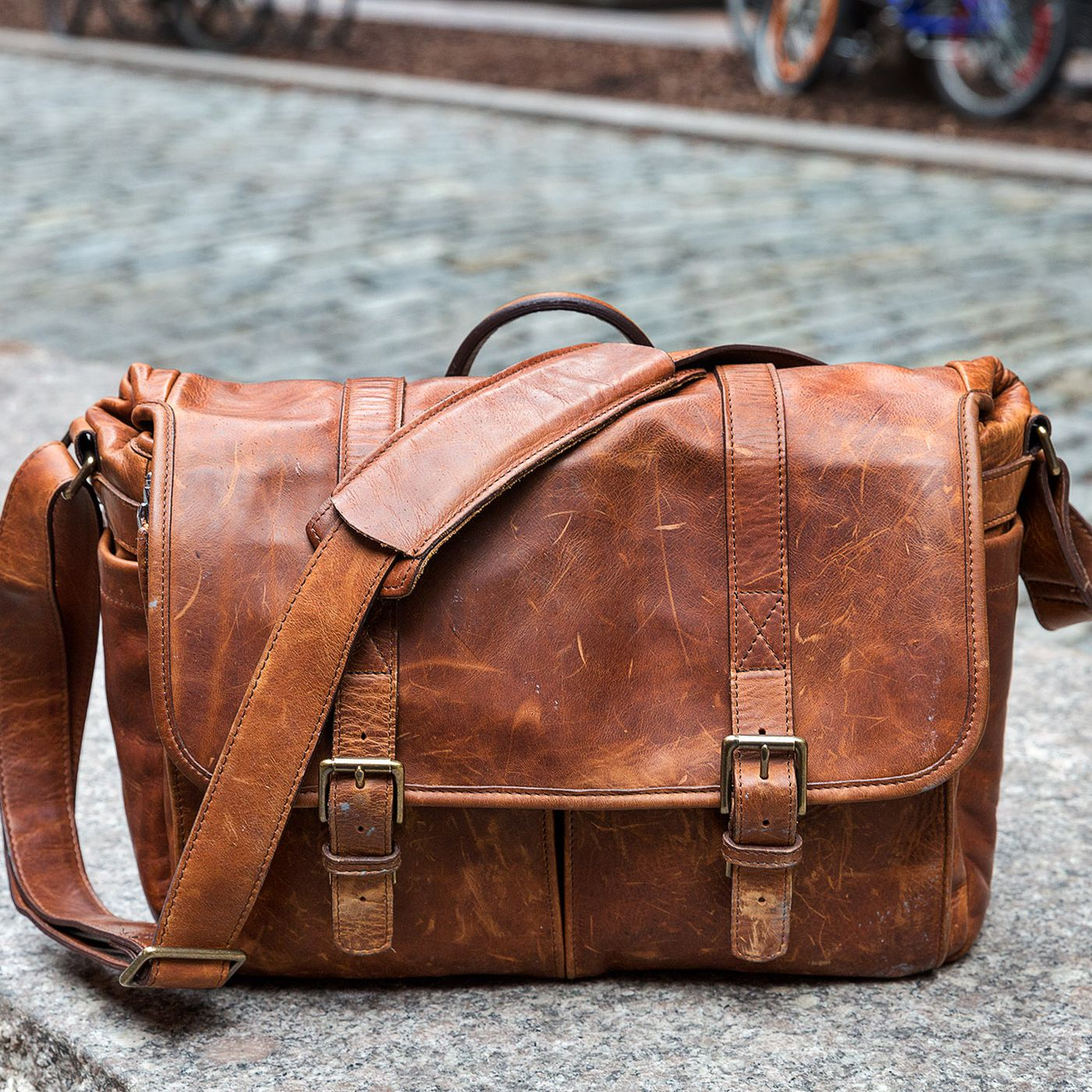 ONA Brixton camera bag review: awful, and I love it - The Verge