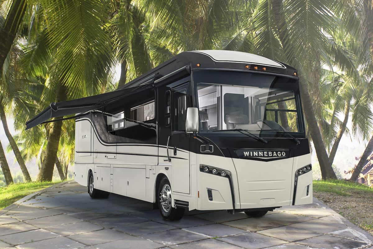 The Winnebago Horizon Was Just Named RV Of Year By RVBusiness Courtesy Industries