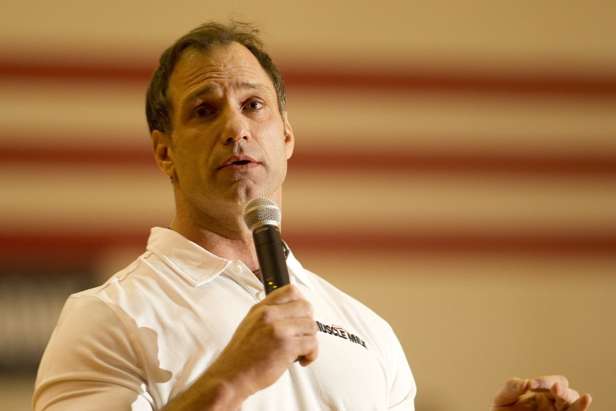 Muscle Milk Teams Up With Chris Spielman To Support High School Athletics