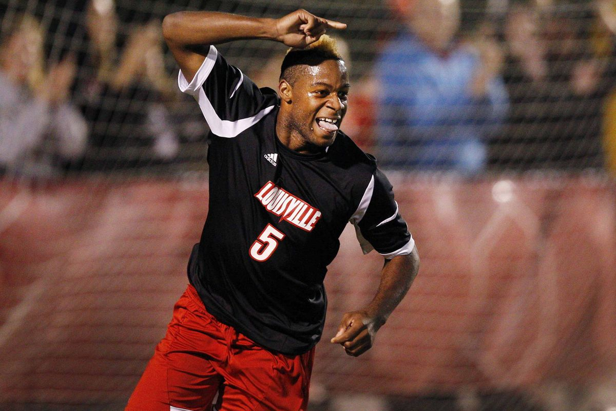 Andrew Farrell in action for the Louisville Cardinals