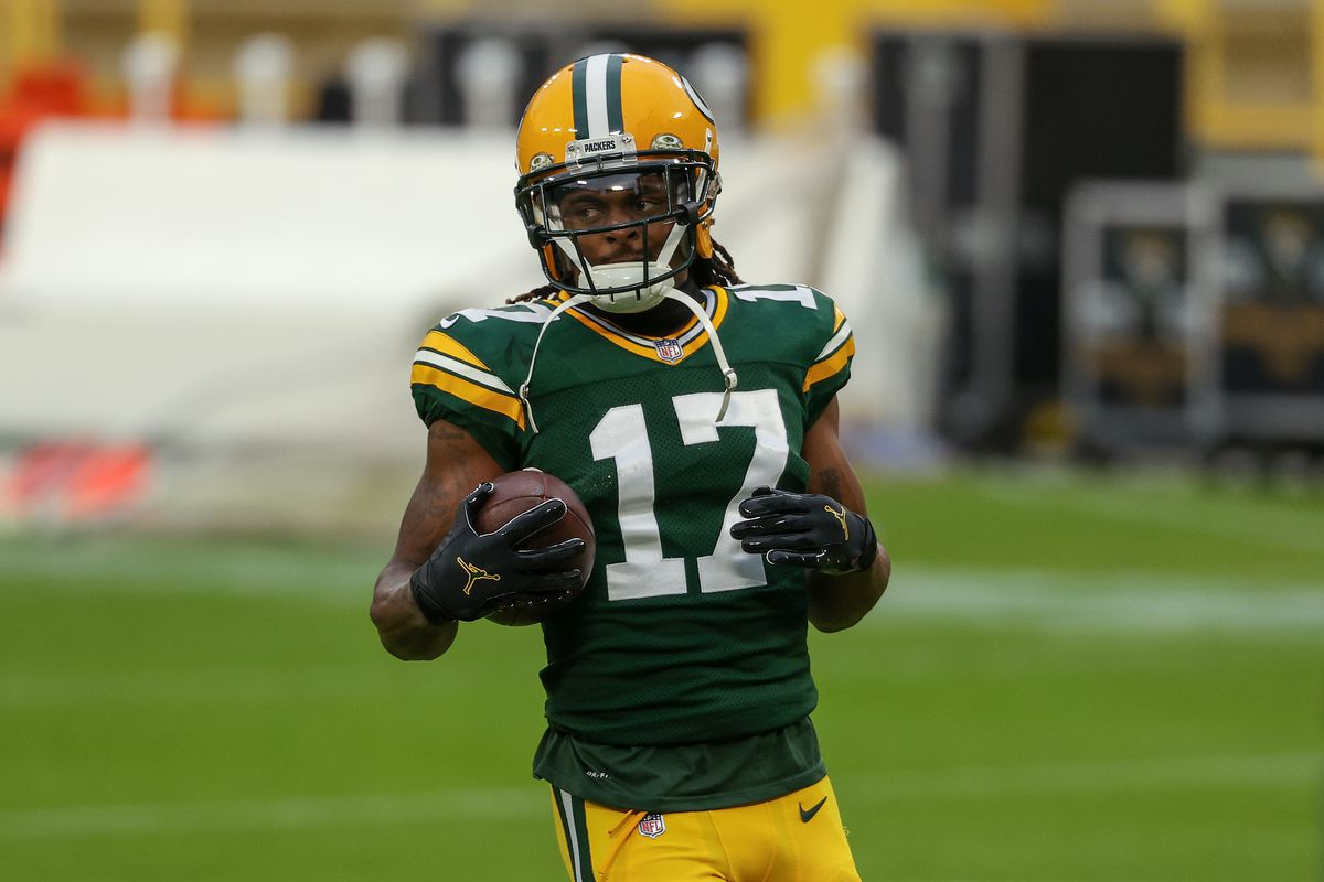Davante Adams #17 of the Green Bay Packers warms up before the game against the Jacksonville Jaguars at Lambeau Field on November 15, 2020 in Green Bay, Wisconsin.