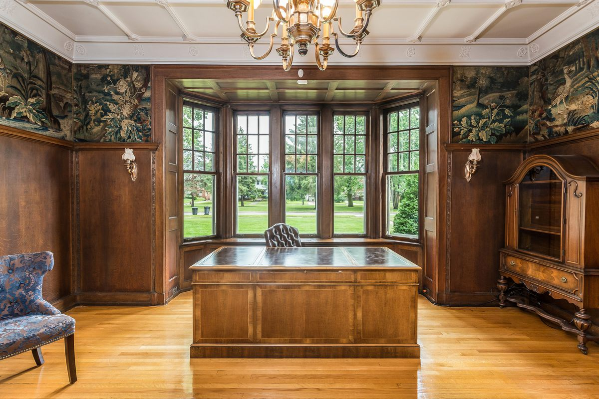 The house is over 9,500 square feet, with 11 bedrooms, six full and three  half baths, nine fireplaces, three built-in safes, a completely remodeled  kitchen, ...
