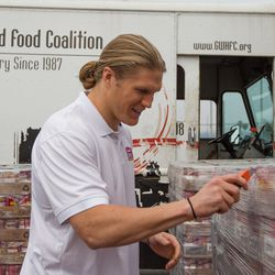 Clay Matthews Unveils Chunky Soup Delivery