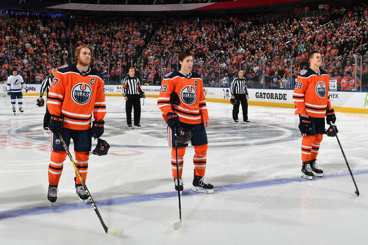 Tampa Bay Lightning v Edmonton Oilers