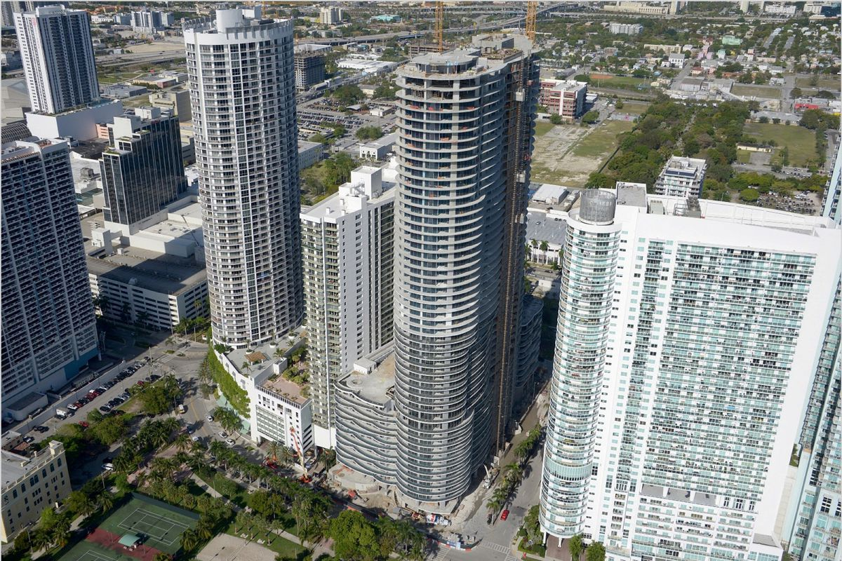 Aria on the Bay tops off in Edgewater