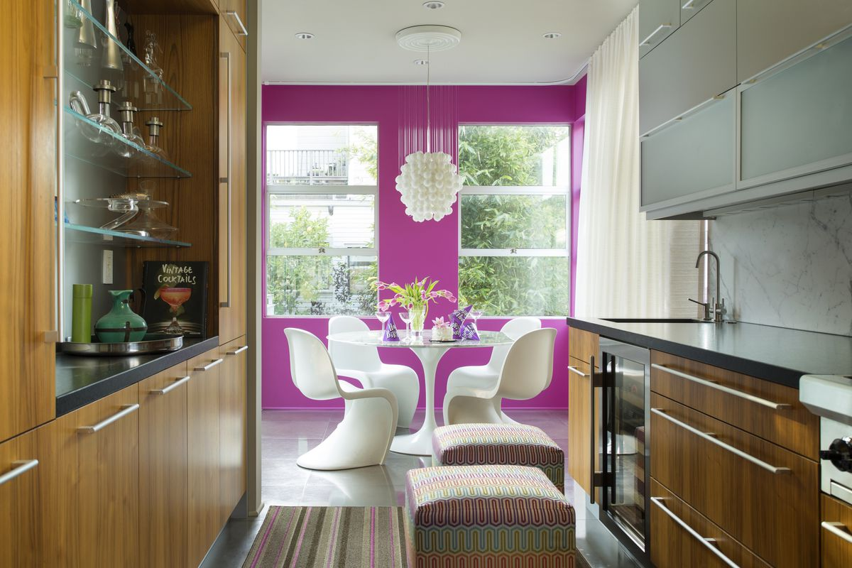 Interior Designer Steven Favreau Added A Splash Of Pink Dining Room In His Opinion Can Live Any