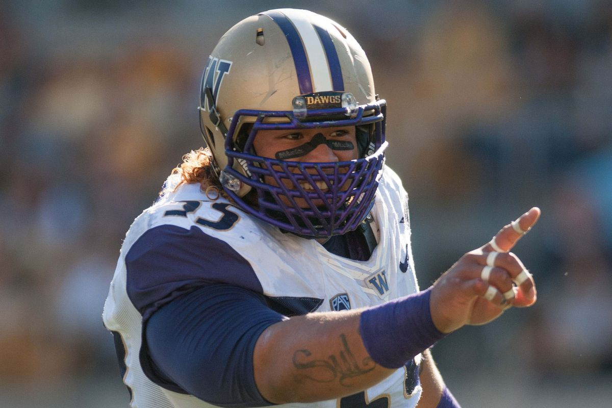 Danny Shelton is one of the best defensive tackles in college football and will have a big role in stopping Oregon's high-powered offense.