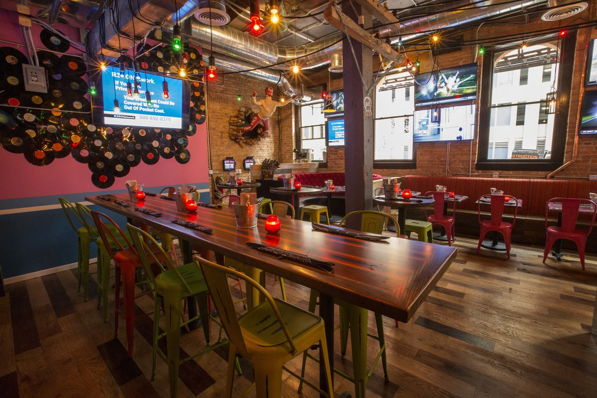 Inside Pink Taco Chicago Feeding River North Lobster