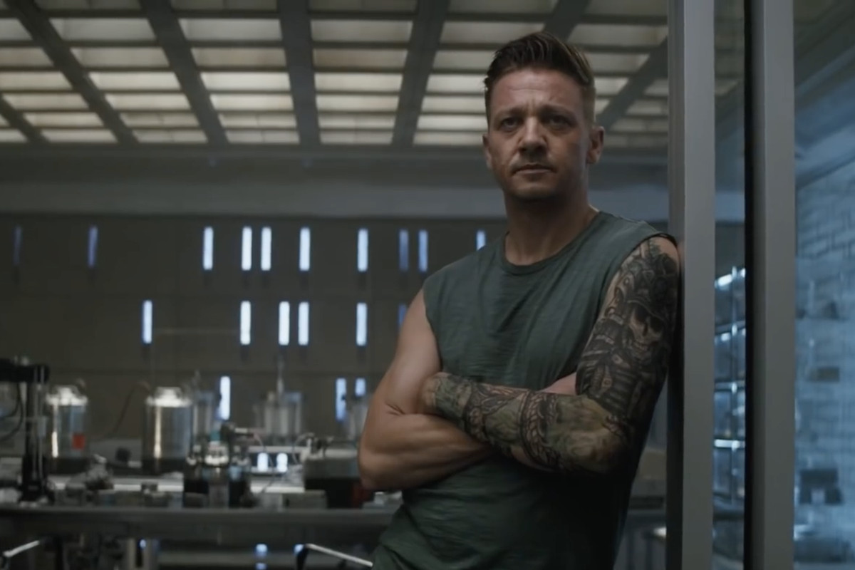 Why Avengers Fans Are Losing It Over Hawkeye S Grungy Tattoos Polygon