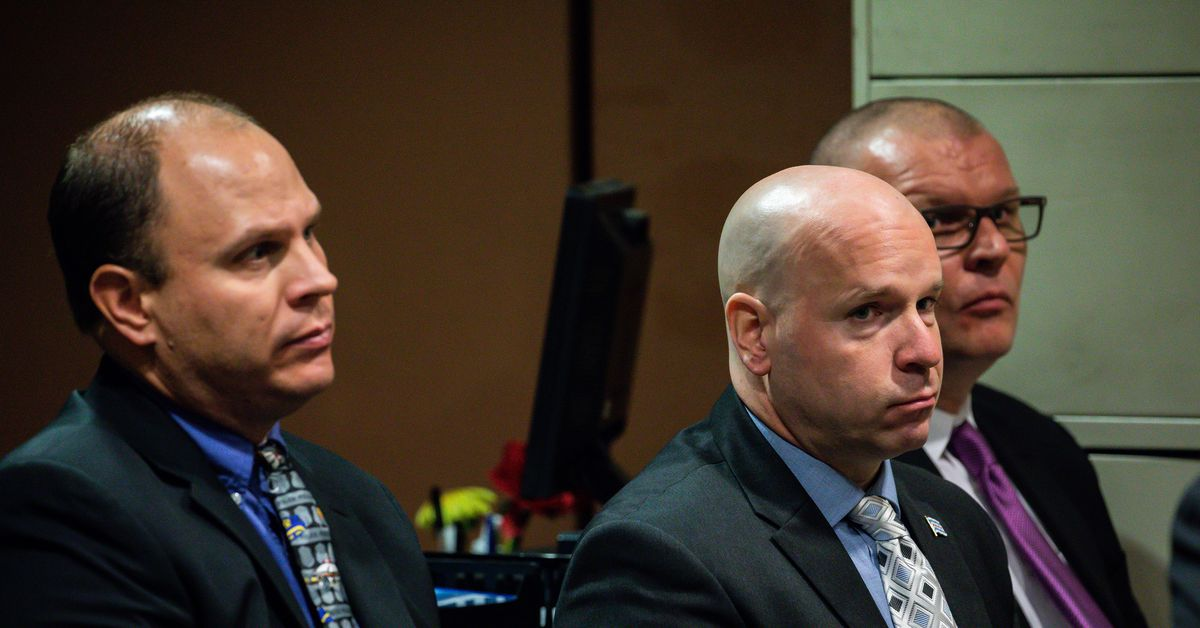 The Energy Detective >> Chicago officers acquitted in Laquan McDonald cover-up trial - Vox
