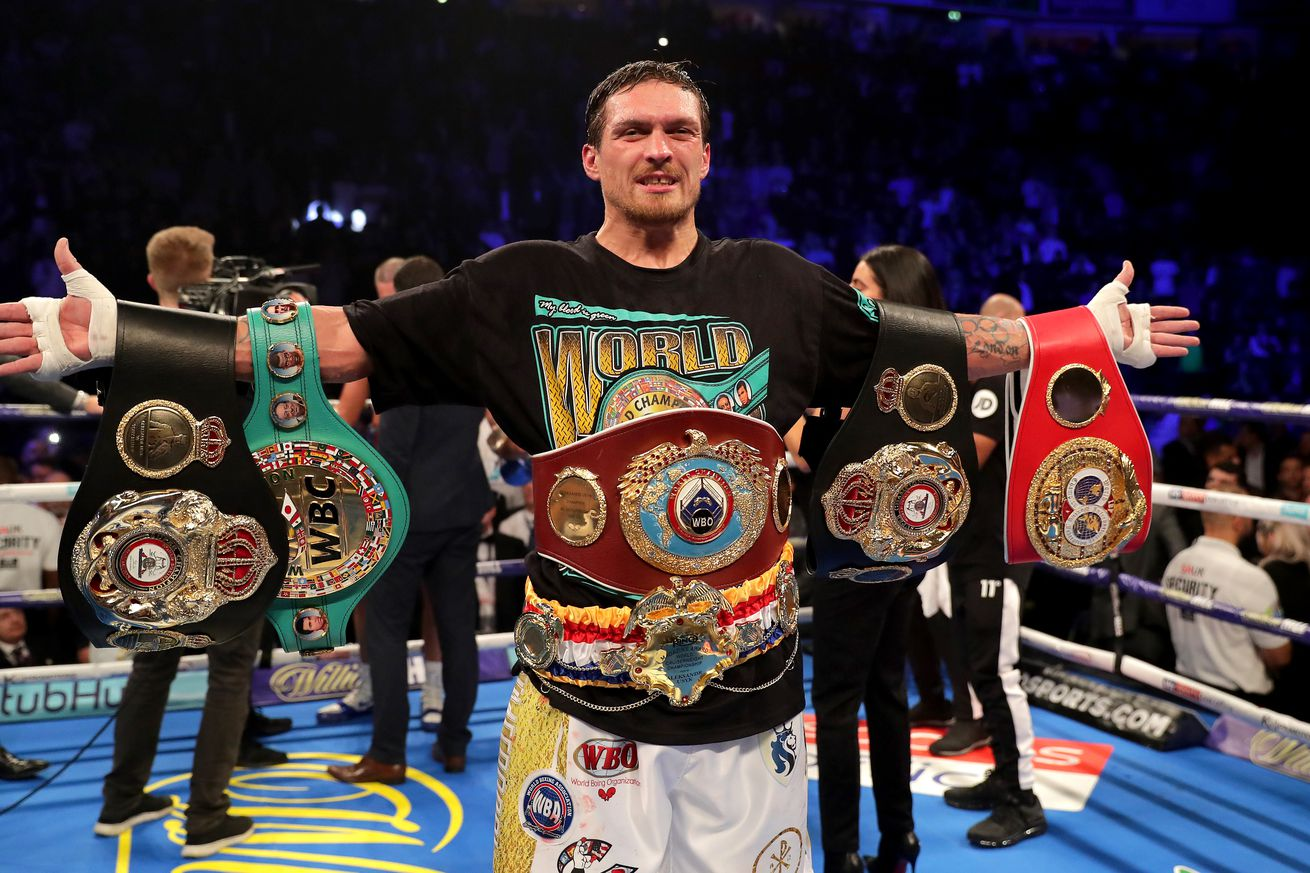 1060083676.jpg.0 - Usyk-Takam set for May 25