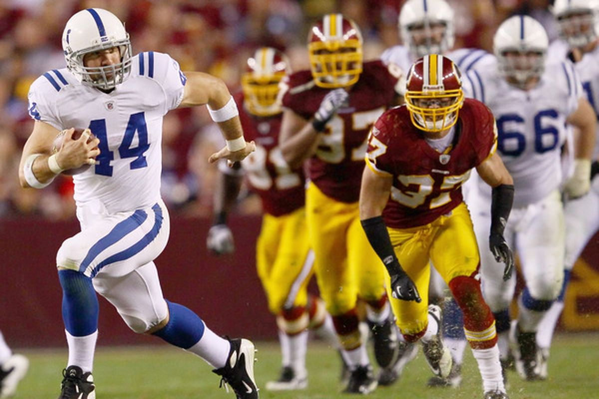 Dallas Clark making a receptions versus the Washington Redskins in 2010.