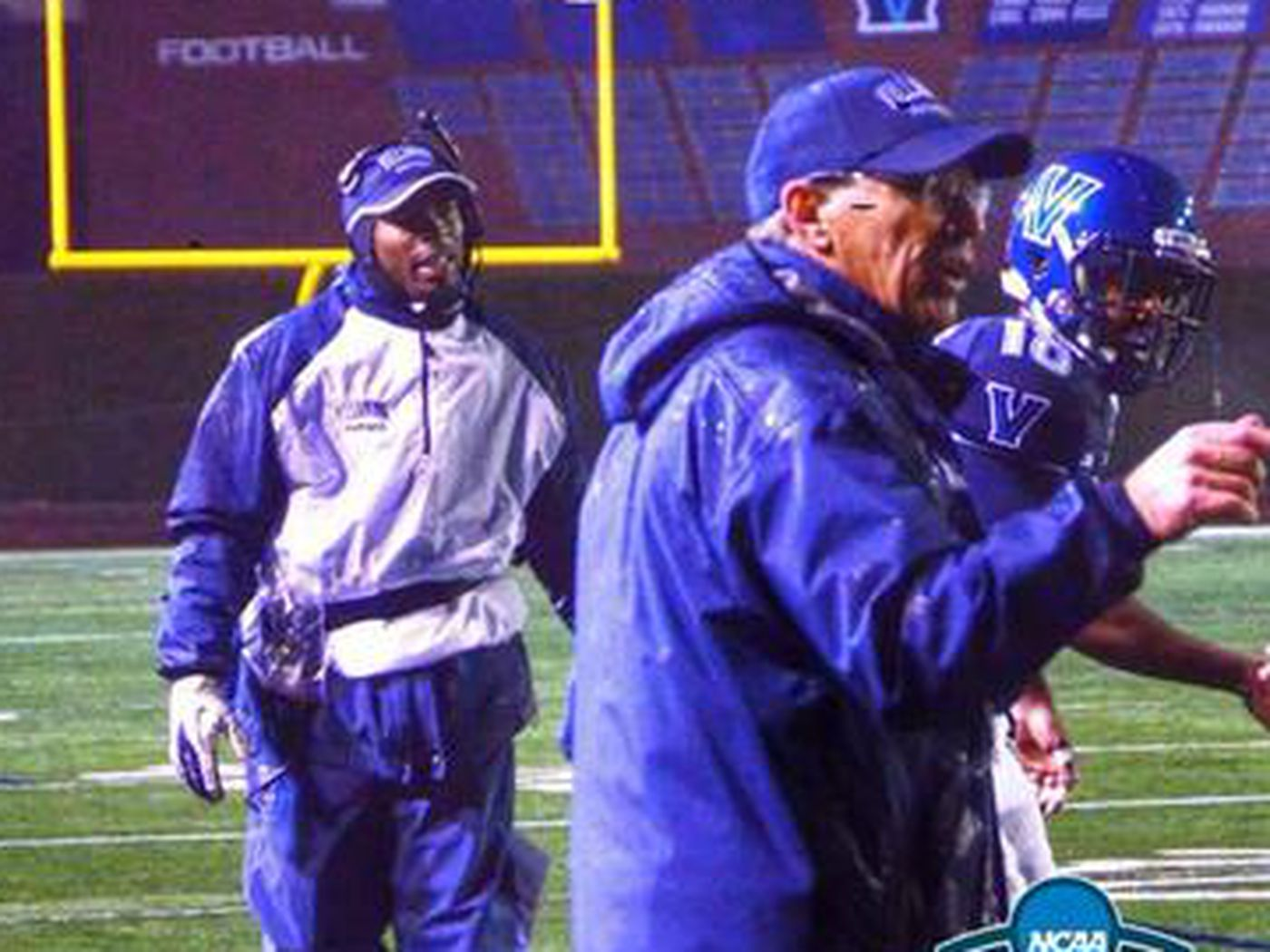 Villanova football loses running backs coach Darrius Smith