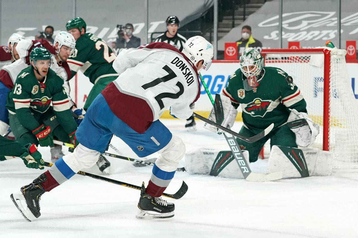 NHL: APR 05 Avalanche at Wild
