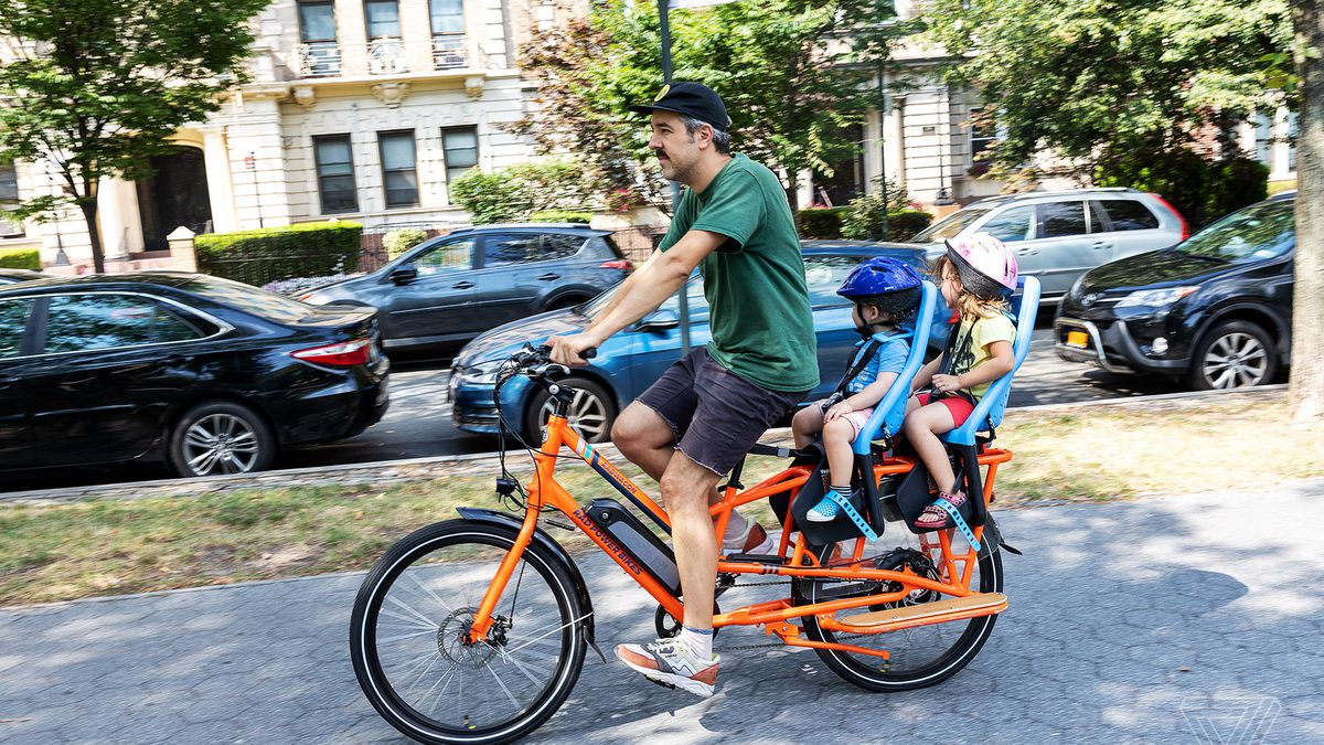 RadWagon electric cargo bike review: the SUV of e-bikes - The Verge