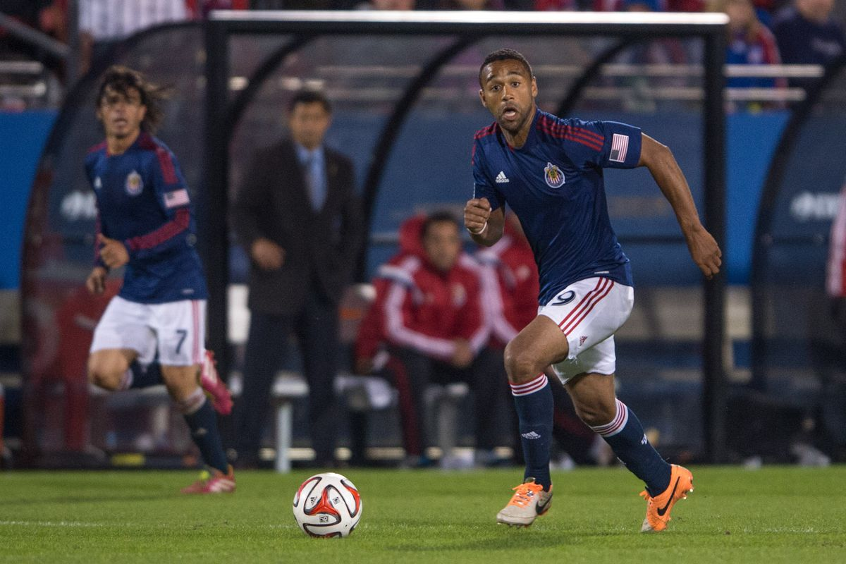 Moore in action for Chivas USA.
