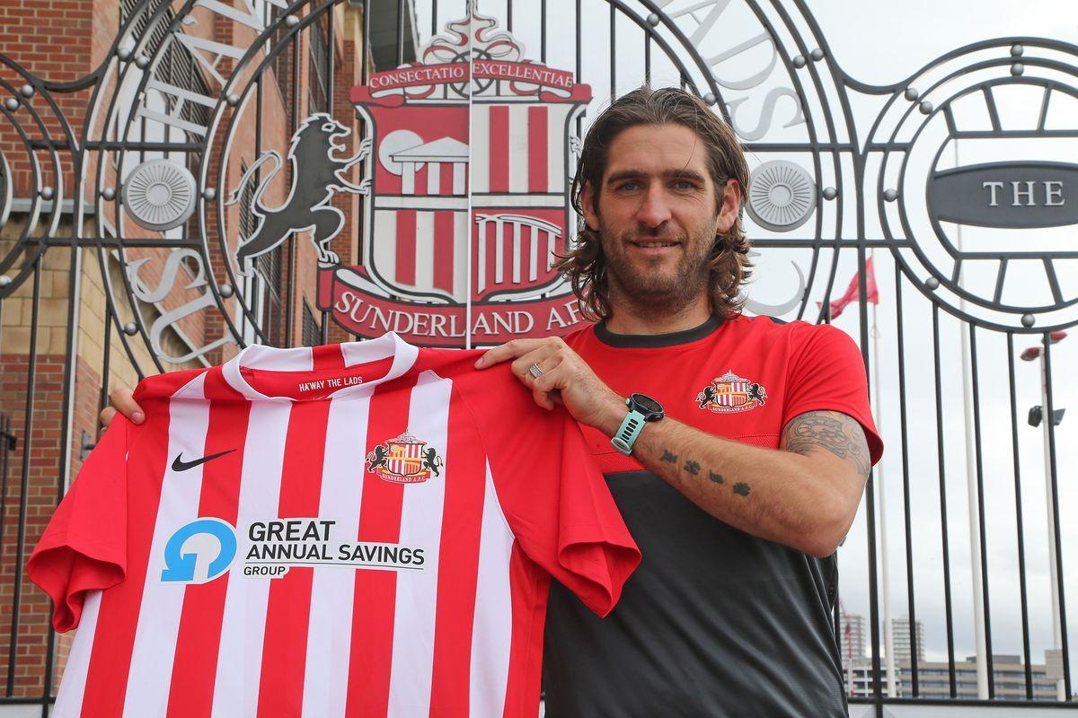 Sunderland Unveil New Signing Danny Graham