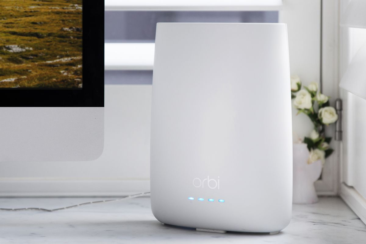 Netgear's new mesh Wi-Fi router is a 2-in-1 designed to declutter