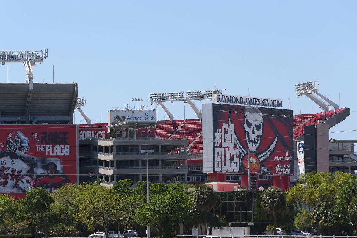 NFL: Tom Brady Signs-Tampa Bay Buccaneers