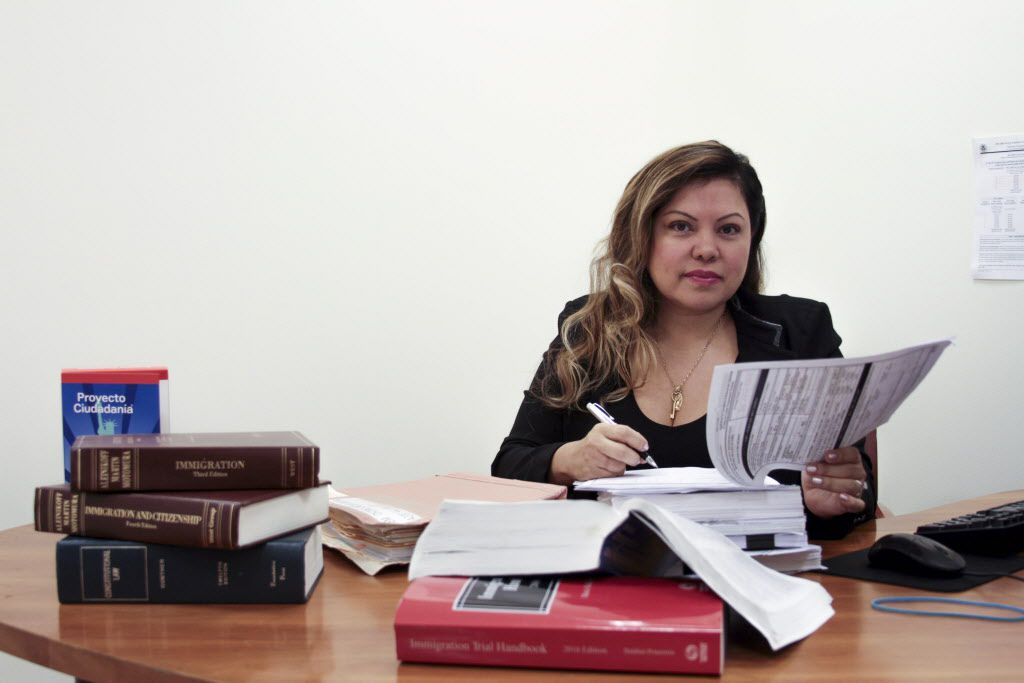 Rosalba Pina, Cynthia Salazar's immigration lawyer, argued unsuccessfully that the police can certify that Salazar aided their investigation even without an arrest or conviction. | Maria Cardona / Sun-Times files