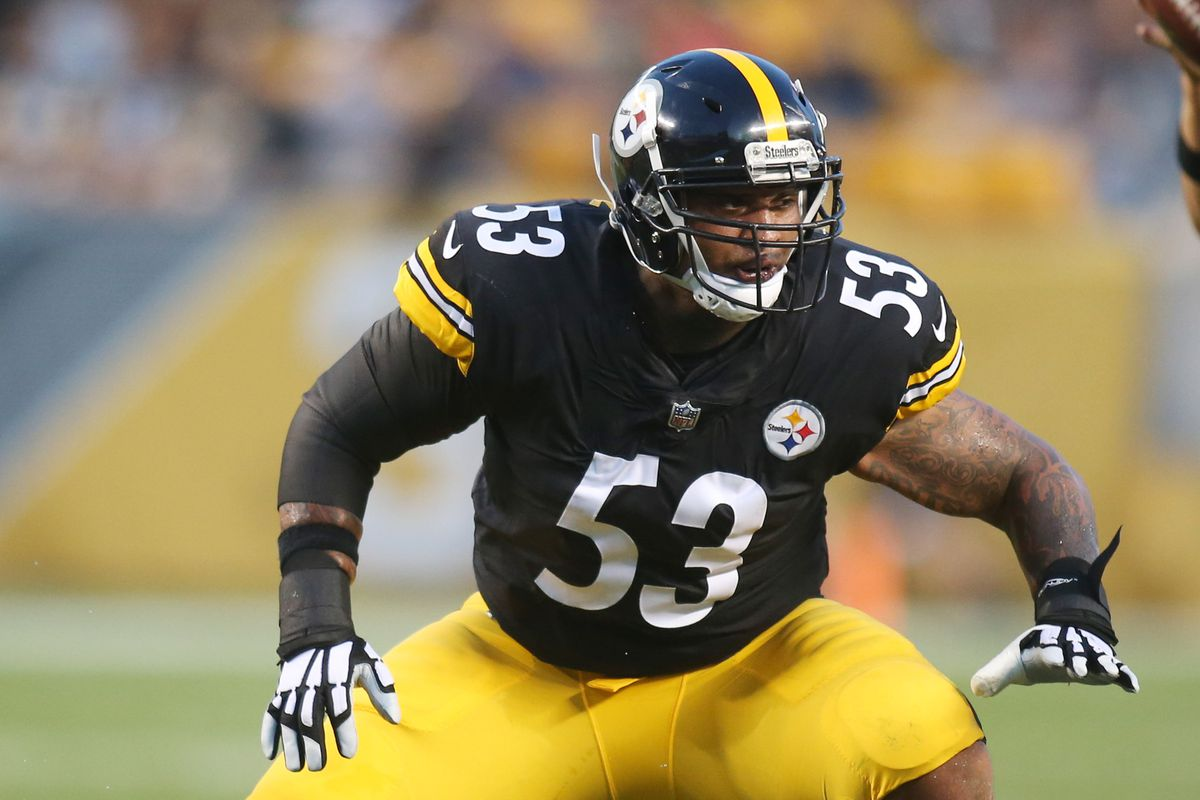4ccde7e2650 Maurkice Pouncey takes to social media with two very clear messages ...