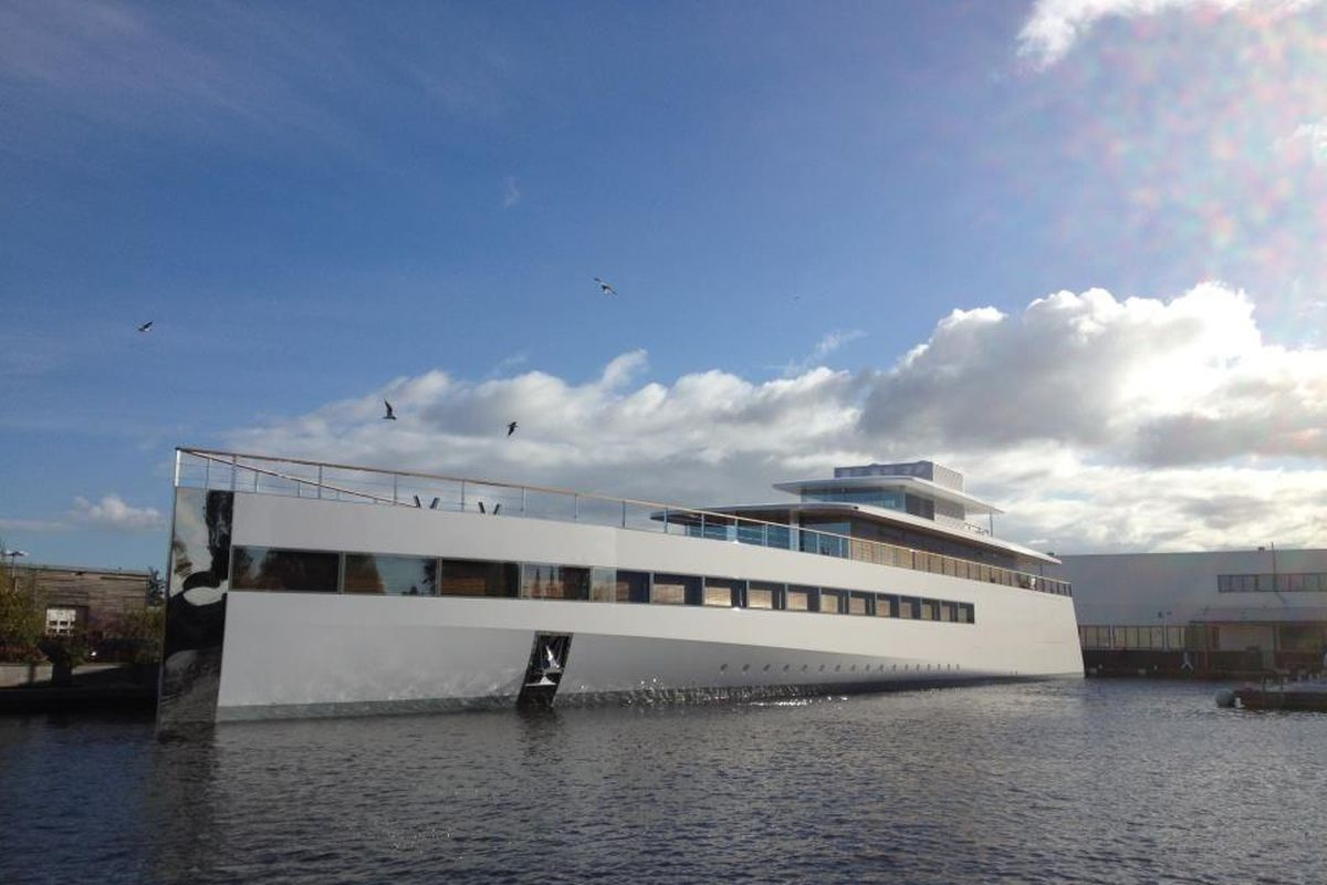 Steve Jobs's yacht makes its first appearance (video ...
