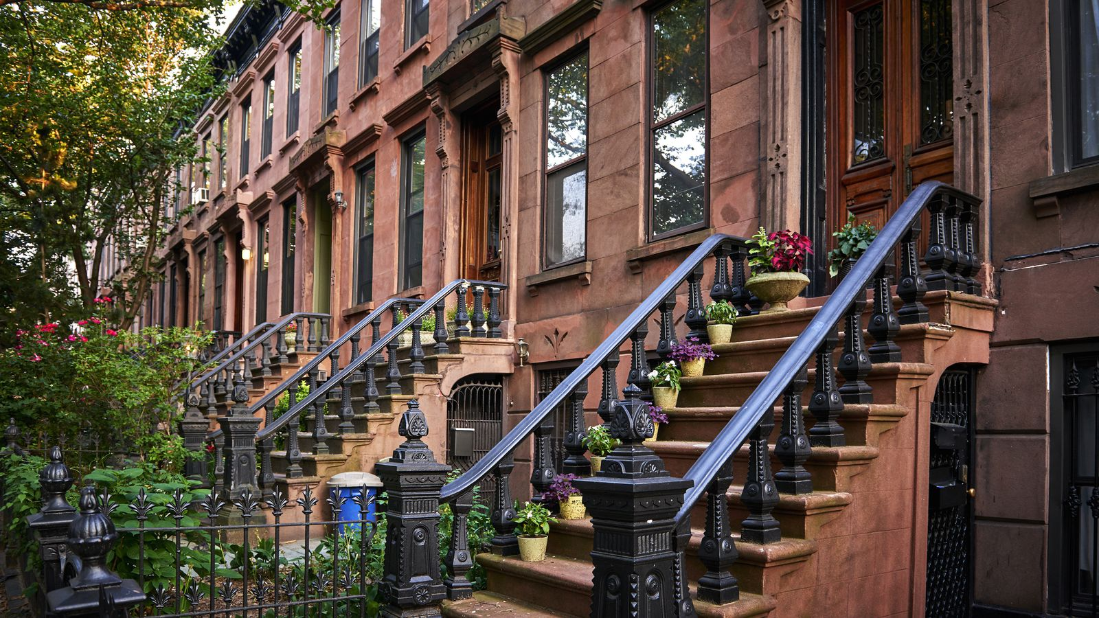 Brooklyn's average apartment price is close to hitting $1M ...