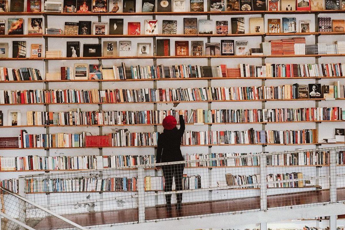 huge bookshelf