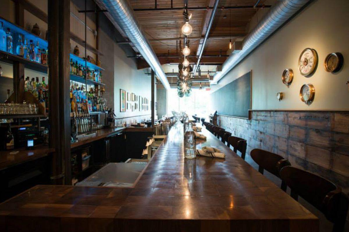 B&T Oyster Bar