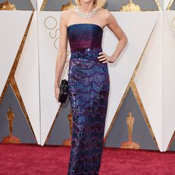 Naomi Watts wears a highly sequinned Armani gown. Photo: Jason Merritt/Getty Images