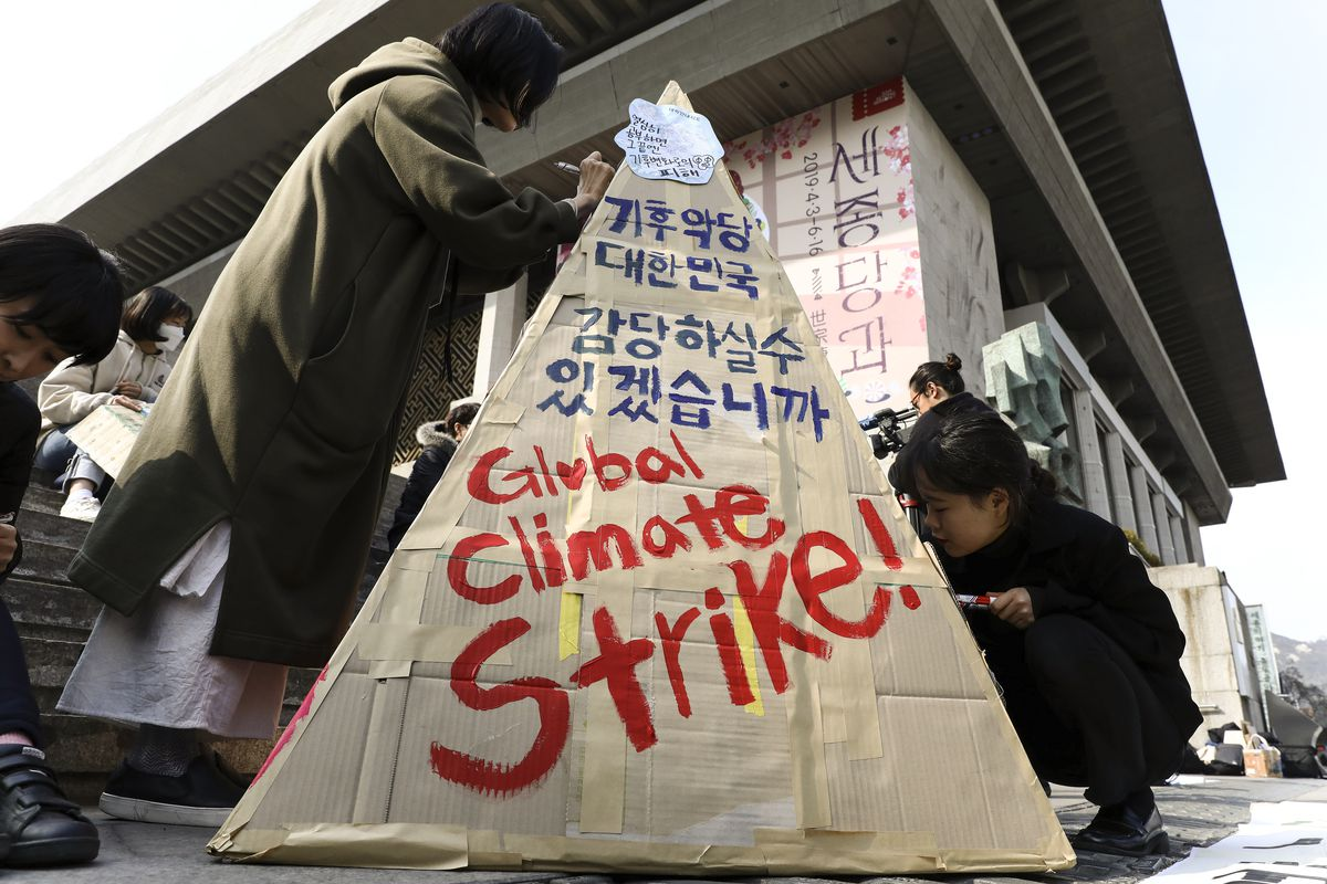 South Korean students participate in a Climate Strike rally on March 15, 2019 in Seoul, South Korea.