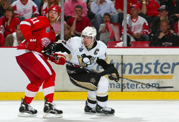 Sidney Crosby has always been compared to Wayne Gretzky. (Photo Courtesy of Jim McIsaac/Getty Images)