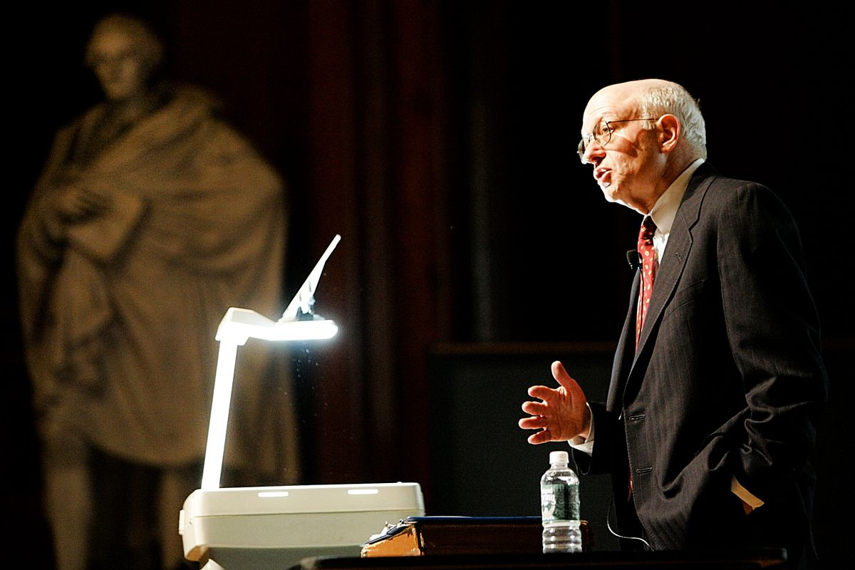 Professor Martin Feldstein, who taught many of the nation's top economic policy makers, teaches his last class at Harvard on May 4, 2005.