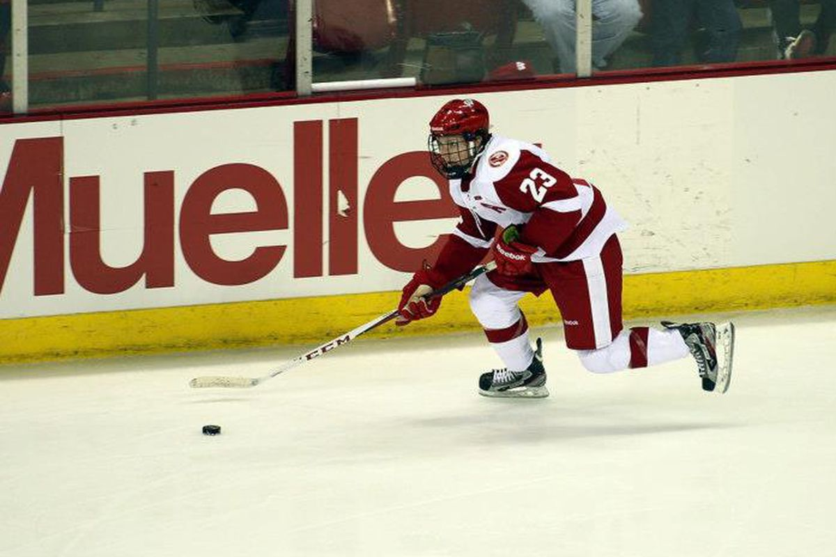 Derek Lee sparked the Badgers with an early goal Saturday night
