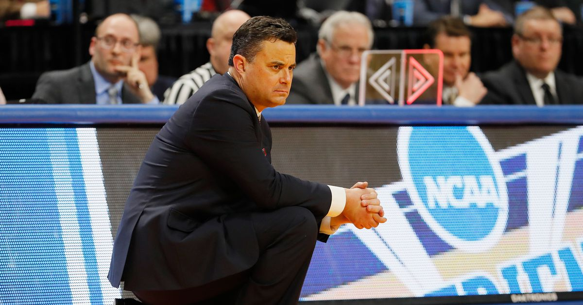 Lute Olson's legacy puts pressure on Sean Miller to deliver at Arizona