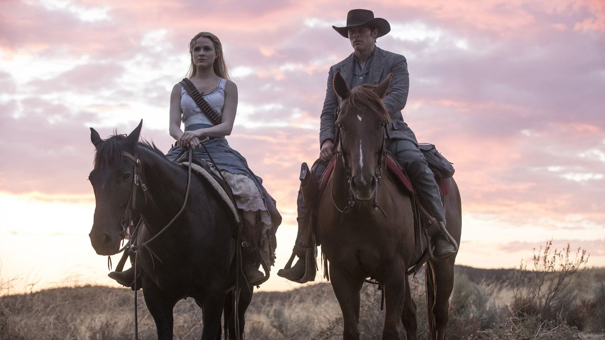 Westworld 202 - Dolores and Teddy on horses