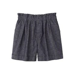 """Linen Blended Flare Shorts in Navy, $19.90 at <a href=""""http://www.uniqlo.com/us/store/lifewear/women-linen-blended-flare-shorts/076672-31-004?ref=womens-clothing%2Fwomens-bottoms%2Fshorts-and-cropped"""">Uniqlo</a>"""