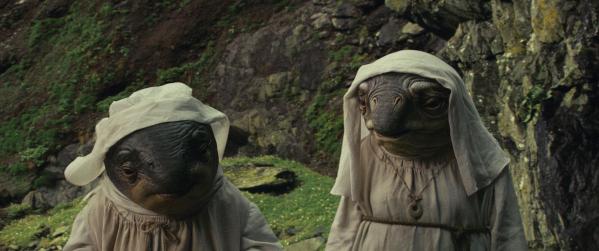 Star Wars: The Last Jedi - lanai, the caretakers of Ahch-To