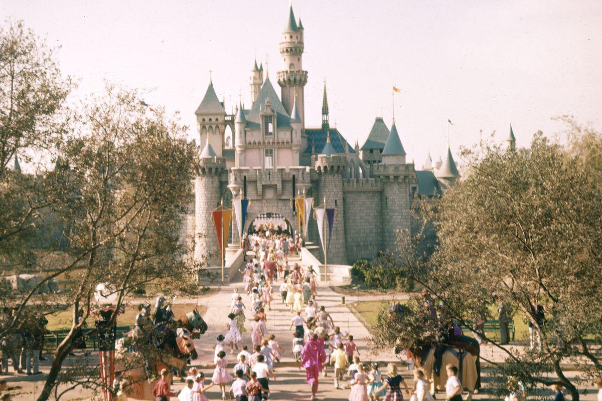 Kids at Disneyland in 1955