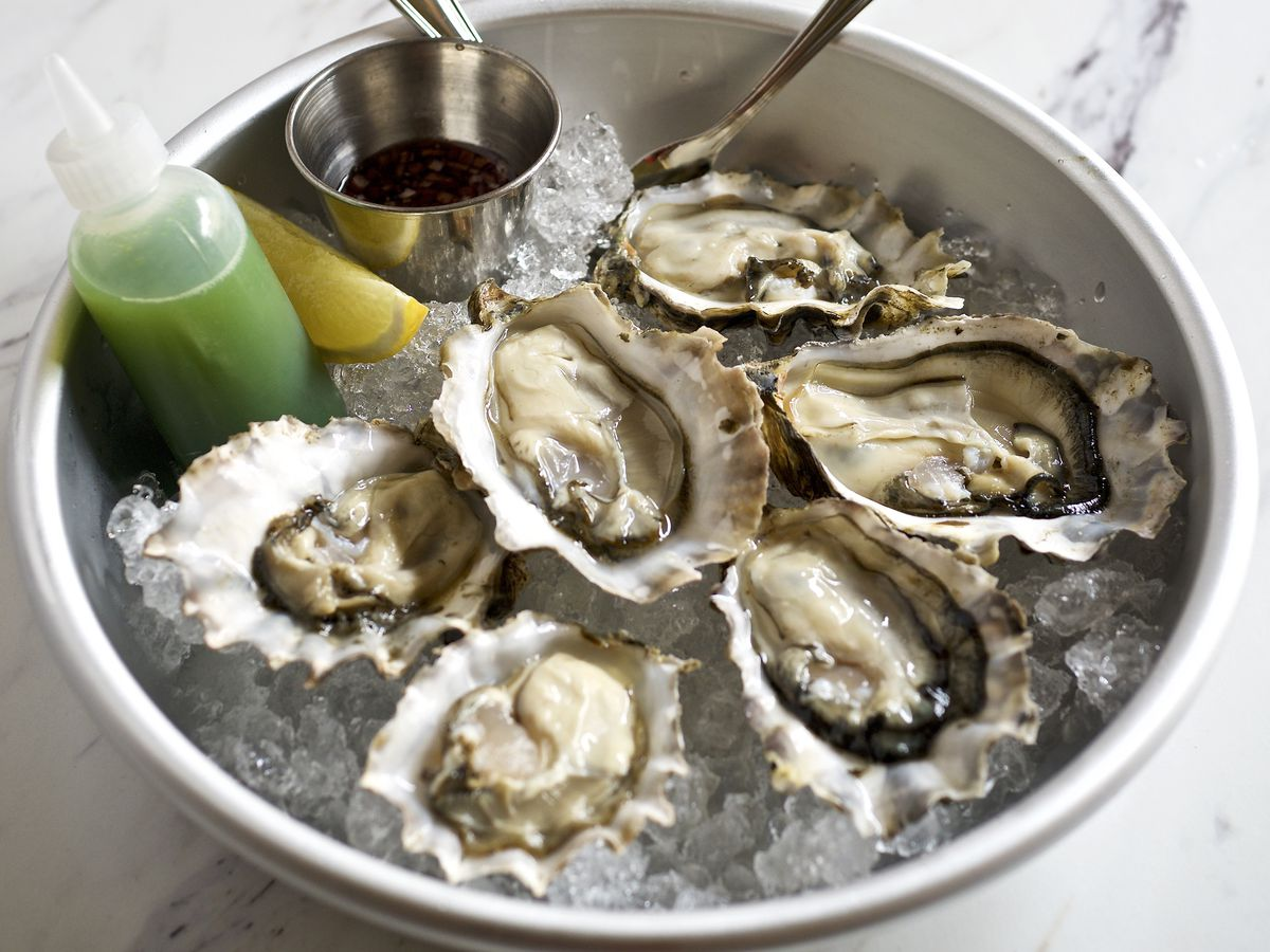 A bowl of fresh oysters at Canard