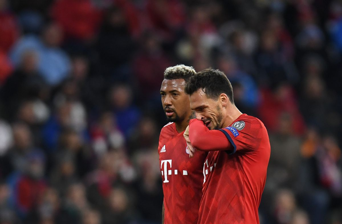 FBL-EUR-C1-BAYERN MUNICH-AJAX Bayern Munich's defender Jerome Boateng (L) and Bayern Munich's defender Mats Hummels (R) react during the UEFA Champions League Group E football match between Bayern Munich and Ajax Amsterdam in Munich, southern Germany, on October 2, 2018. (Photo by Christof STACHE / AFP)